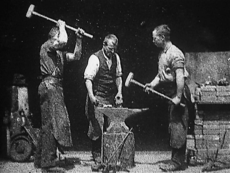 Foto de Blacksmith Scene (1893) – Crítica