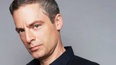Foto de Justin Kirk Se Junta ao Elenco do Piloto UNDER THE BRIDGE no Papel Principal da CBS