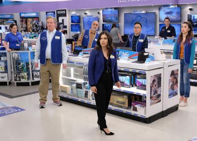 Foto de SUPERSTORE Renovada para a 6ª Temporada na NBC
