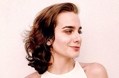 Foto de Camila Maria Concepción, Escritora de GENTEFIELD e DAYBREAK, Morre por Suicídio aos 28 Anos