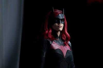 Foto de Showrunner da BATWOMAN Diz que Série Não Matará Kate Kane na Segunda Temporada